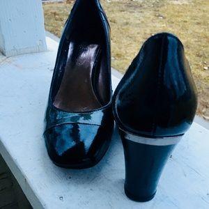 Shoes - Circa Joan & David Pumps